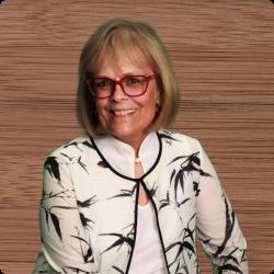 Professional headshot photo of Dr.Deborah Daiek